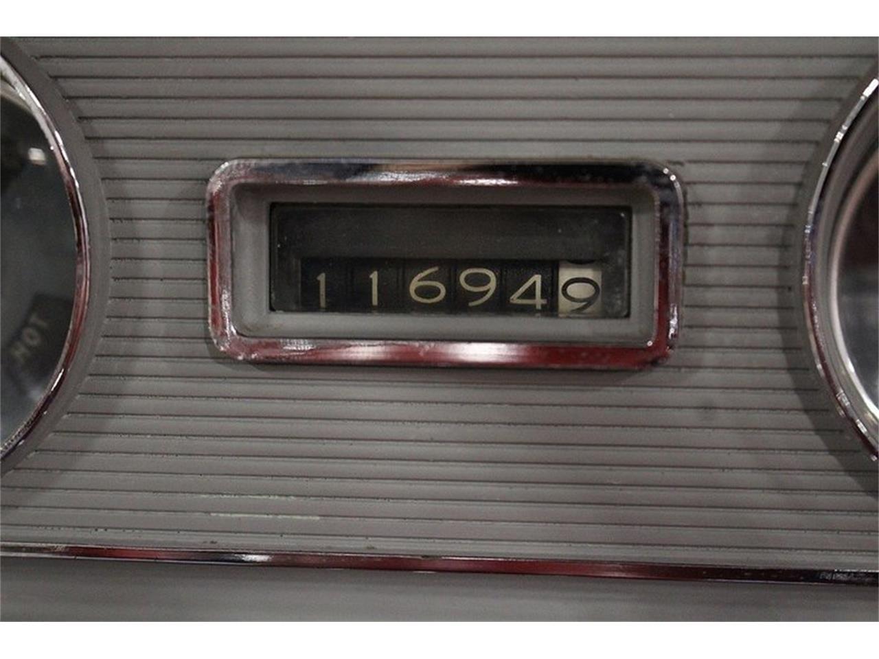 Large Picture of Classic '60 Pontiac Bonneville - LUZH