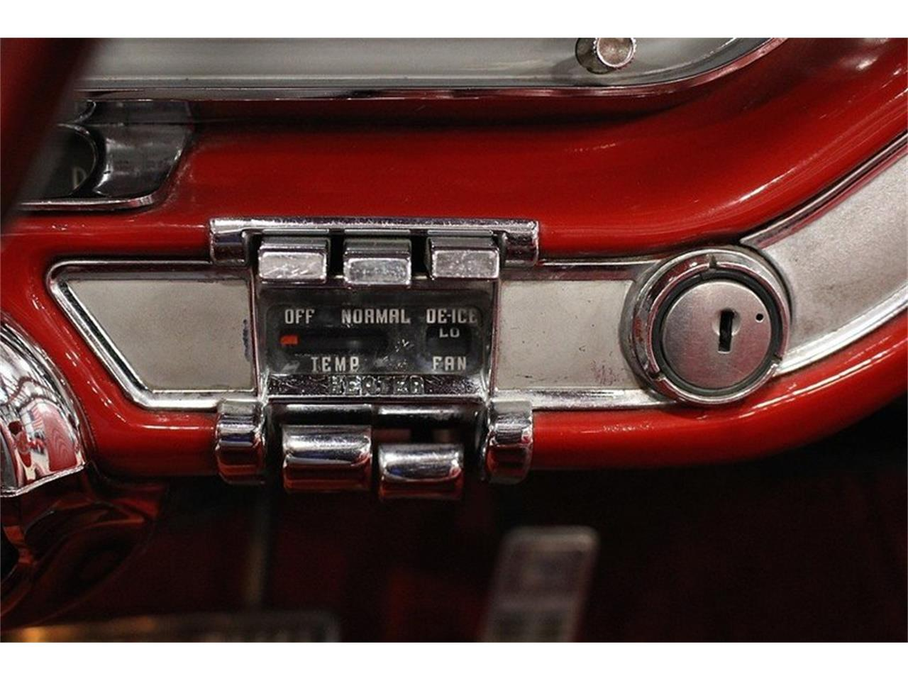 Large Picture of '60 Pontiac Bonneville Offered by GR Auto Gallery - LUZH