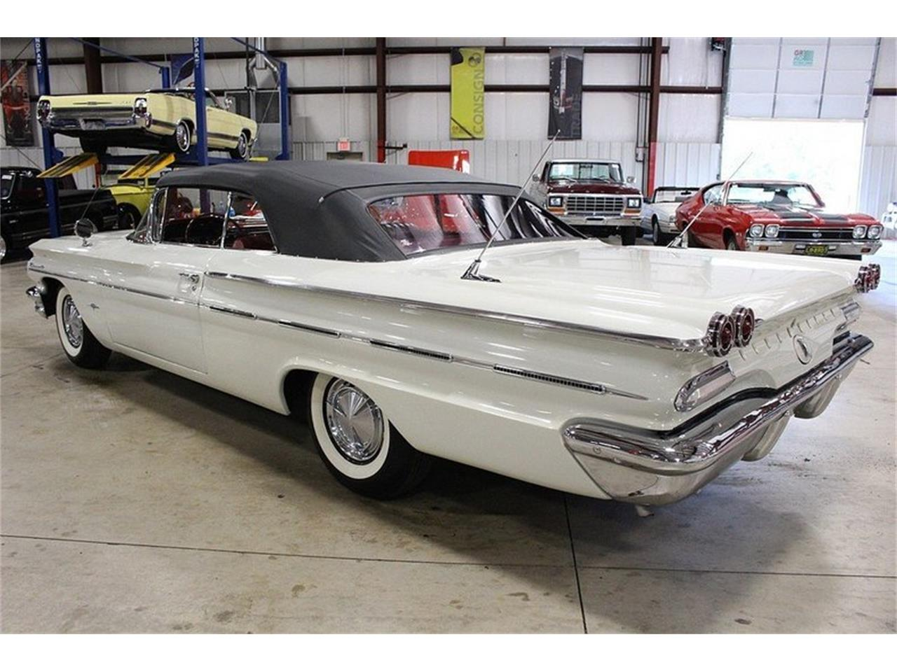 Large Picture of '60 Bonneville located in Kentwood Michigan - $49,900.00 - LUZH