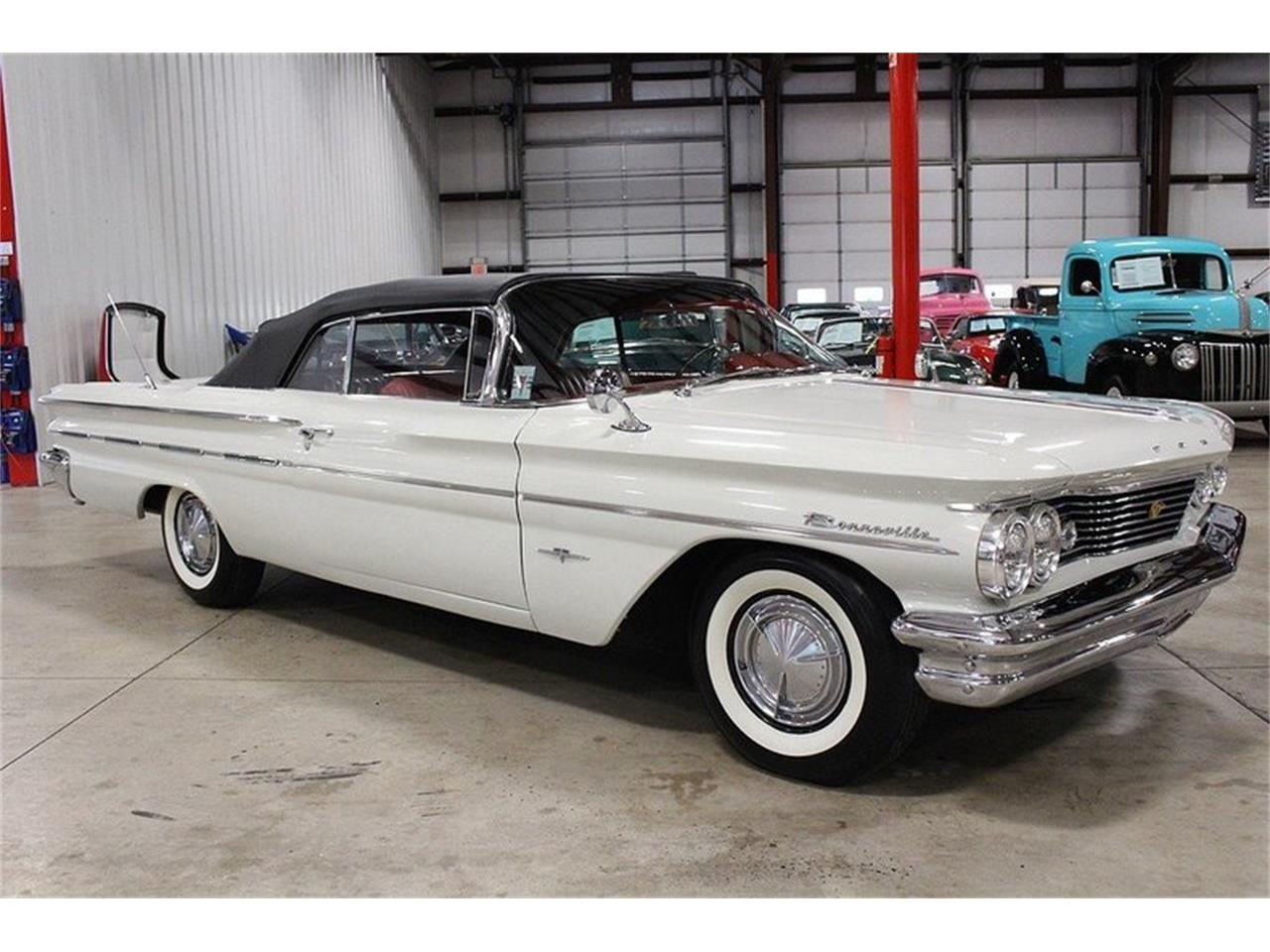 Large Picture of '60 Bonneville Offered by GR Auto Gallery - LUZH