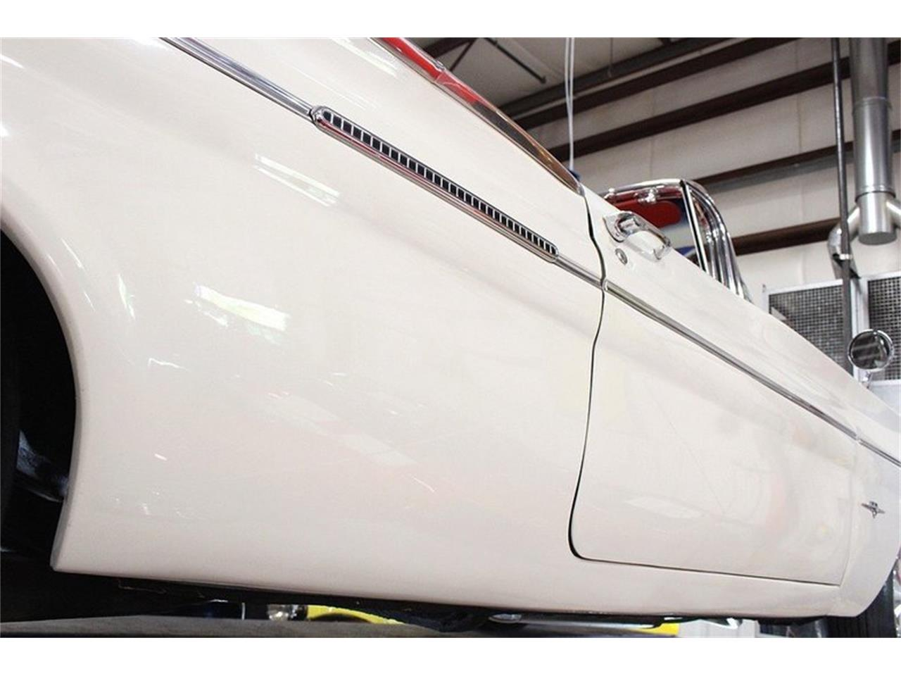 Large Picture of 1960 Bonneville located in Kentwood Michigan Offered by GR Auto Gallery - LUZH