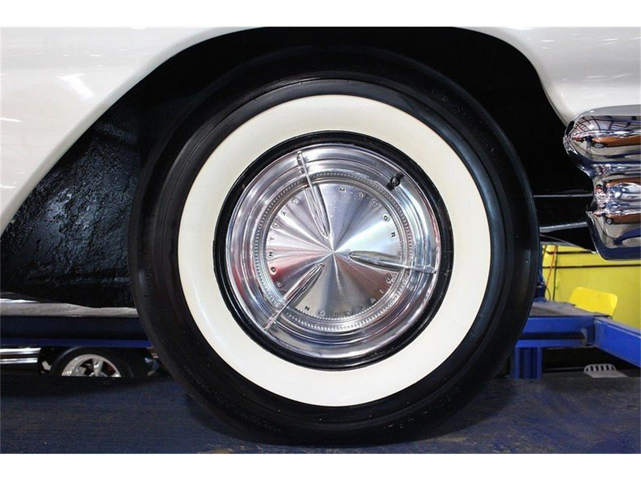 Large Picture of '60 Pontiac Bonneville - $49,900.00 Offered by GR Auto Gallery - LUZH