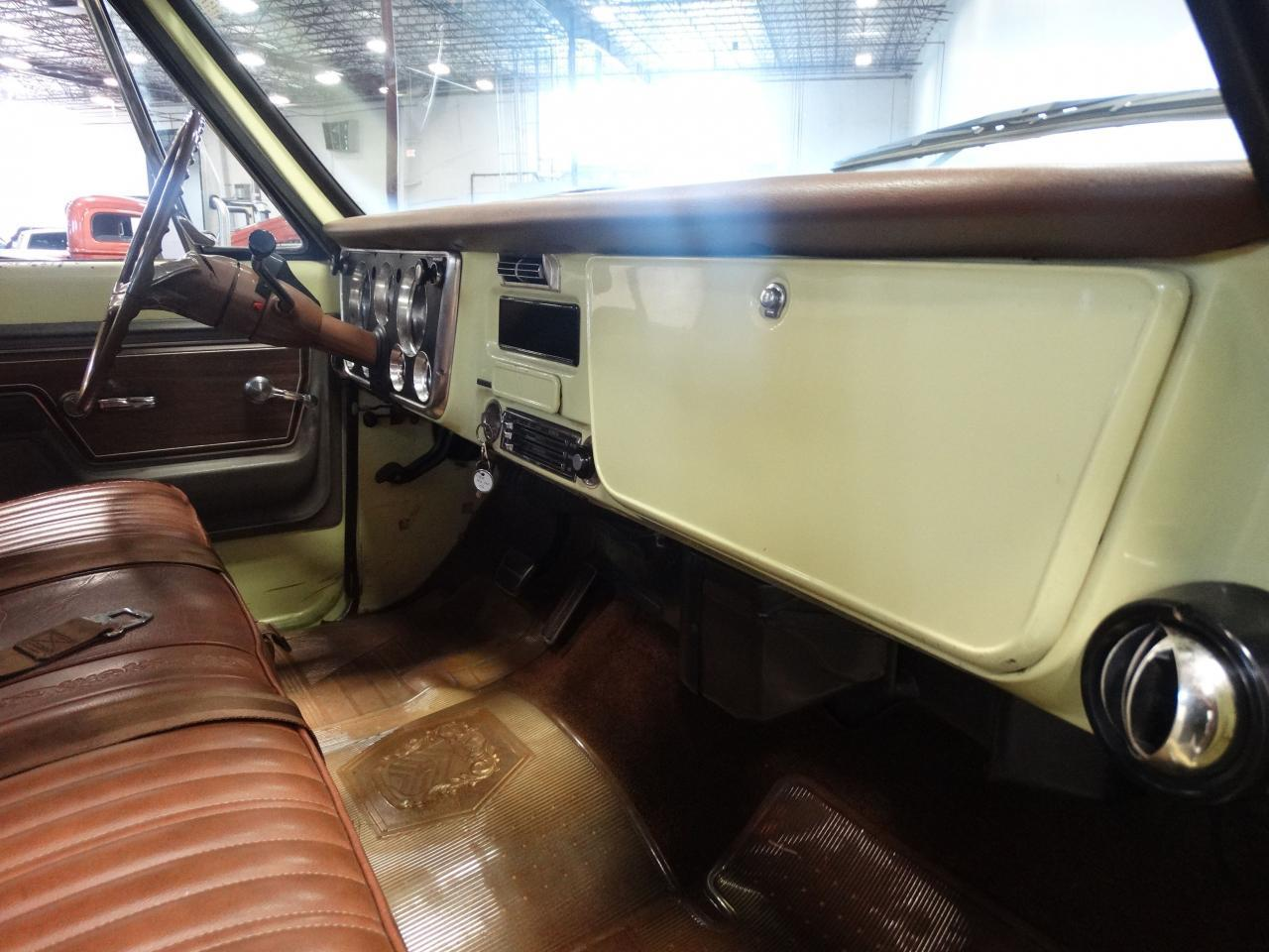 Large Picture of 1972 C10 - $19,595.00 Offered by Gateway Classic Cars - Nashville - LUZU