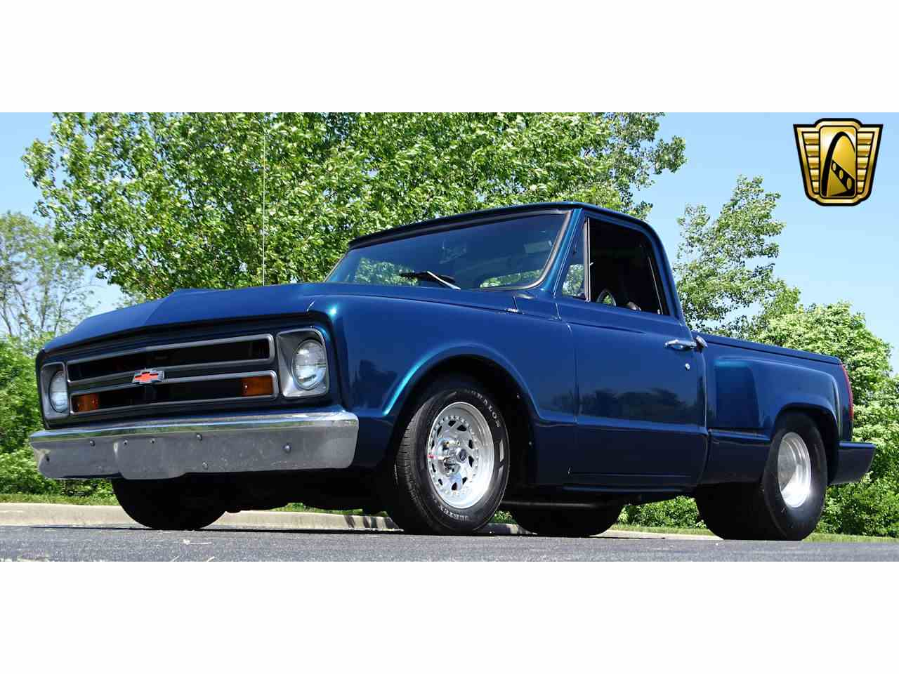 Large Picture of 1967 Chevrolet C10 located in O'Fallon Illinois - LV0B