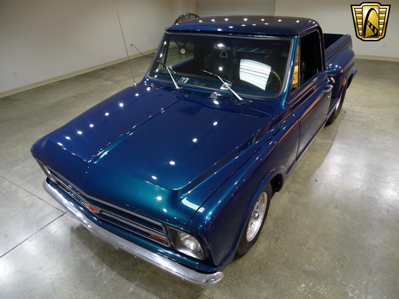 Large Picture of '67 Chevrolet C10 located in Illinois - $19,995.00 Offered by Gateway Classic Cars - St. Louis - LV0B