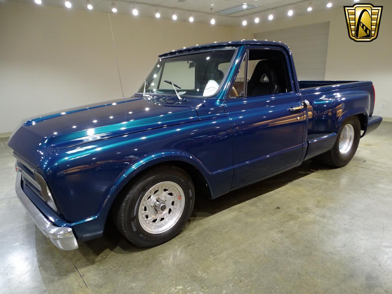 Large Picture of '67 Chevrolet C10 located in Illinois Offered by Gateway Classic Cars - St. Louis - LV0B