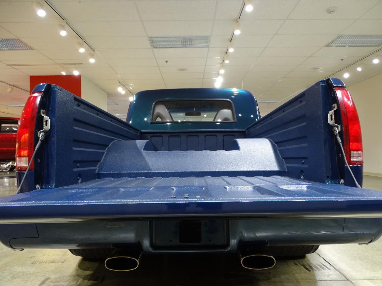 Large Picture of '67 Chevrolet C10 Offered by Gateway Classic Cars - St. Louis - LV0B