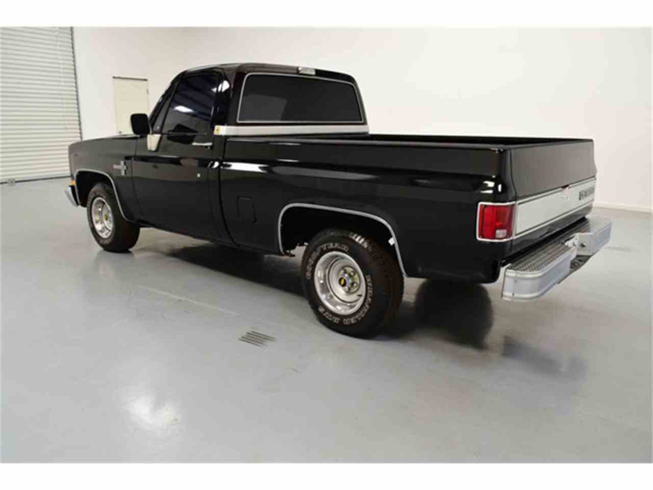Large Picture of 1986 C10 located in Mooresville North Carolina - $17,995.00 - LV12
