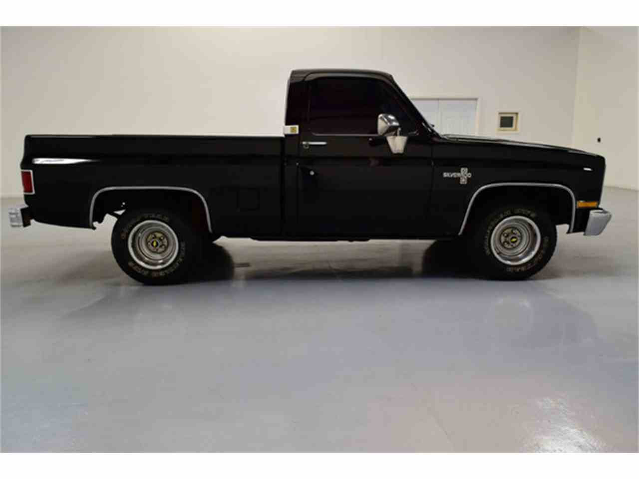 Large Picture of '86 C10 Offered by DC Classic Cars East - LV12