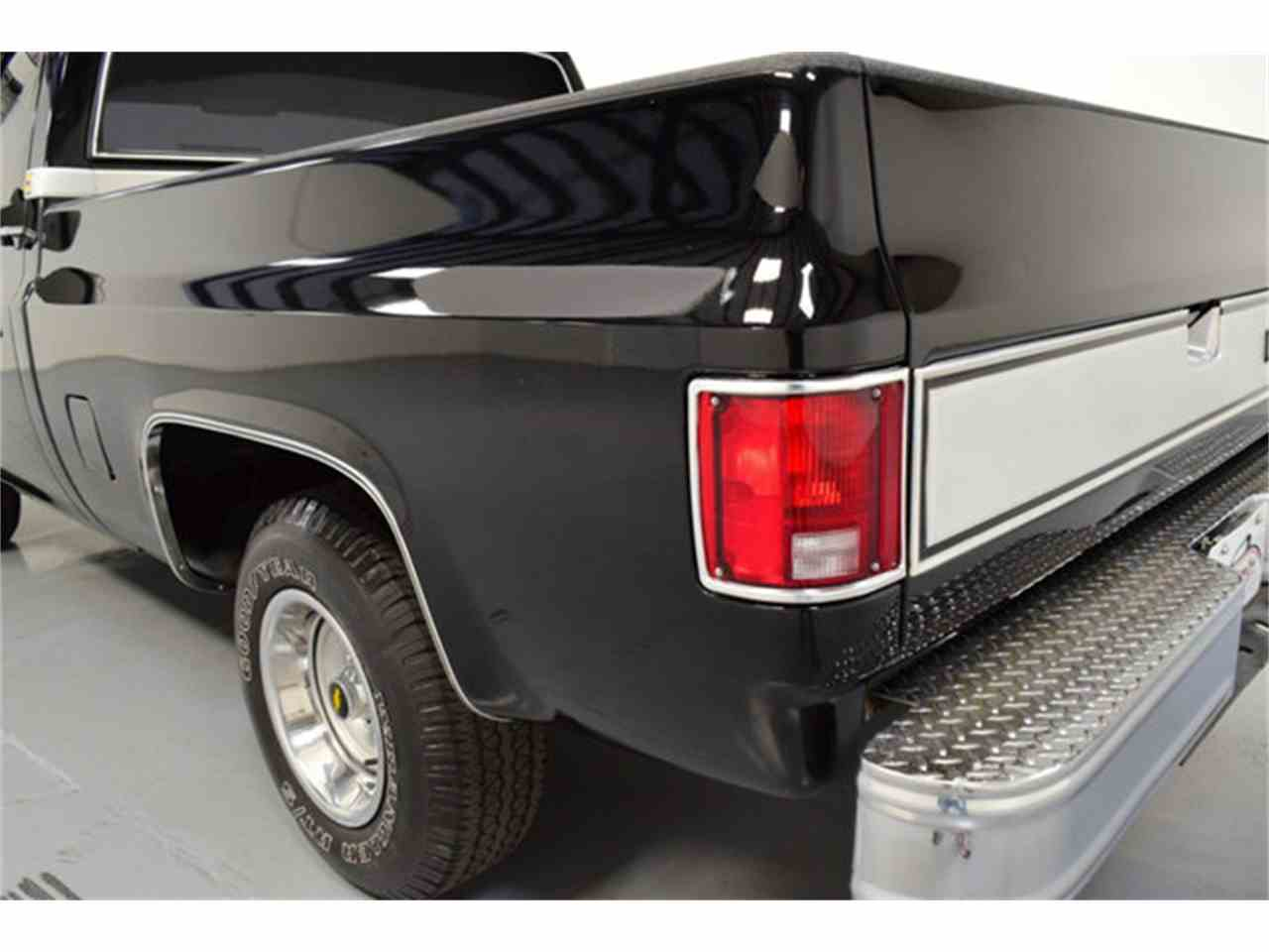 Large Picture of '86 C10 located in Mooresville North Carolina Offered by DC Classic Cars East - LV12