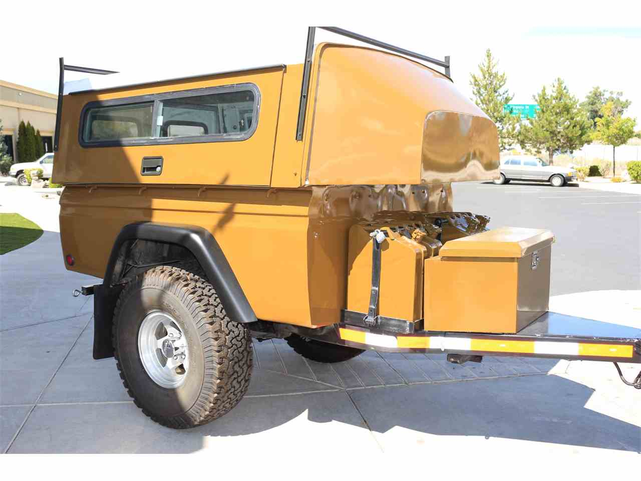 Large Picture of '75 Toyota Land Cruiser 4X4 with Trailer - LVUD