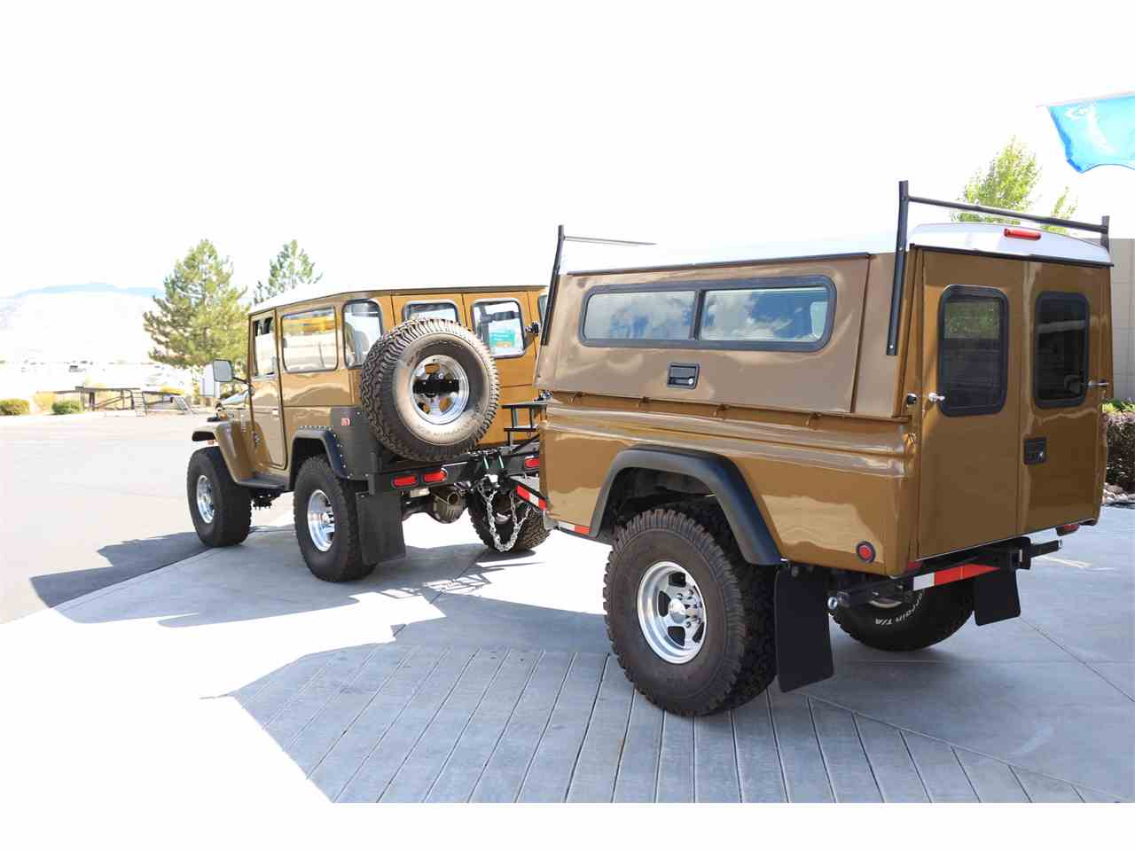 Large Picture of '75 Land Cruiser 4X4 with Trailer - LVUD