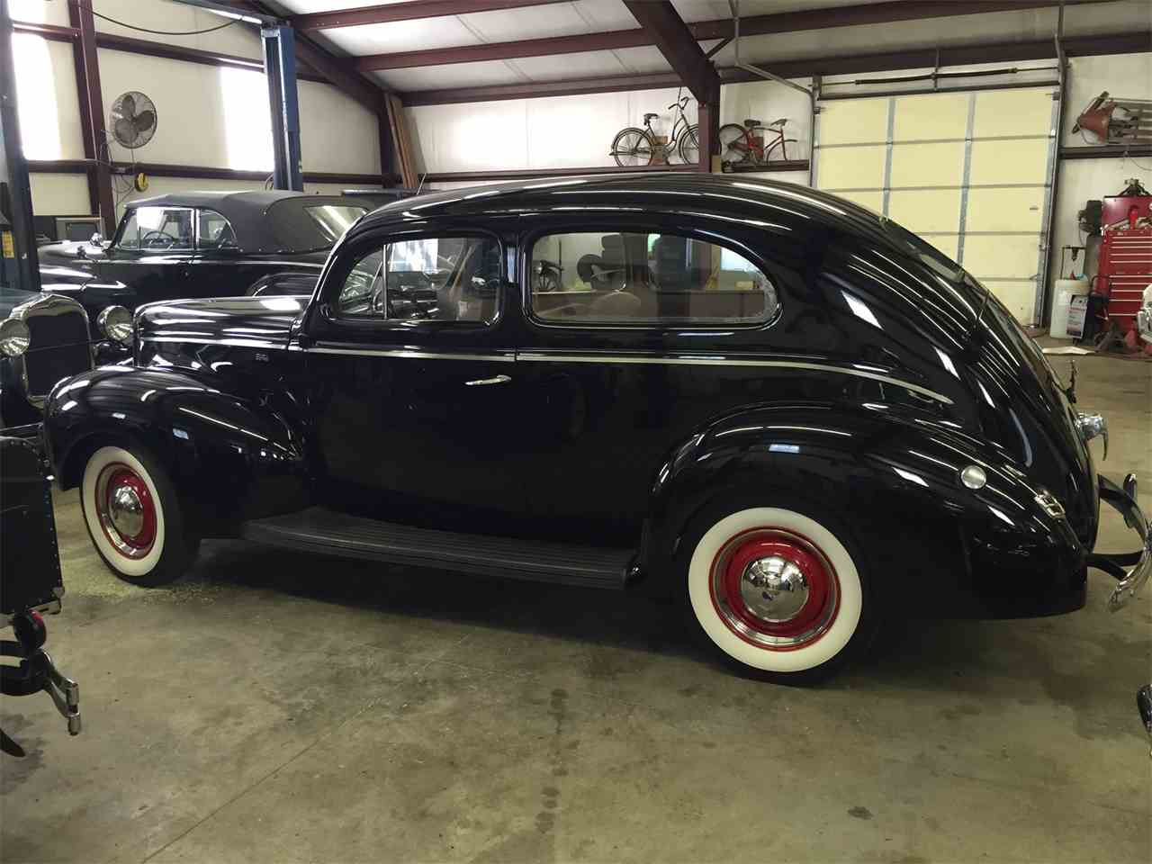 Large Picture of Classic '40 Ford Sedan Auction Vehicle - LVXB