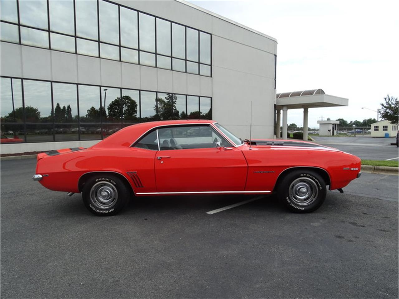 Large Picture of '69 Camaro SS - LV58