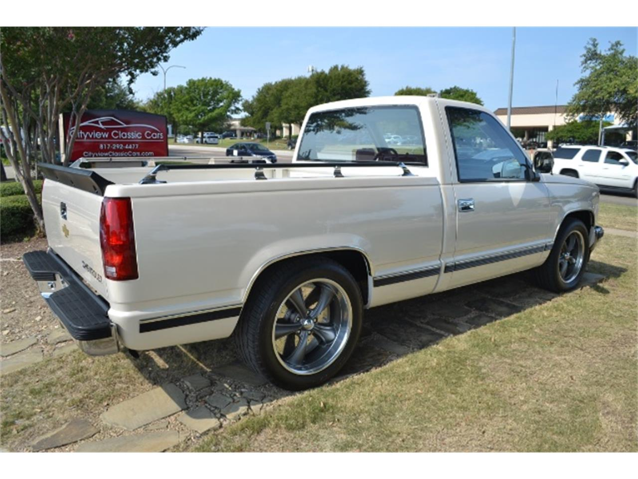Large Picture of '89 Chevrolet C/K 1500 located in Fort Worth Texas - LV5T