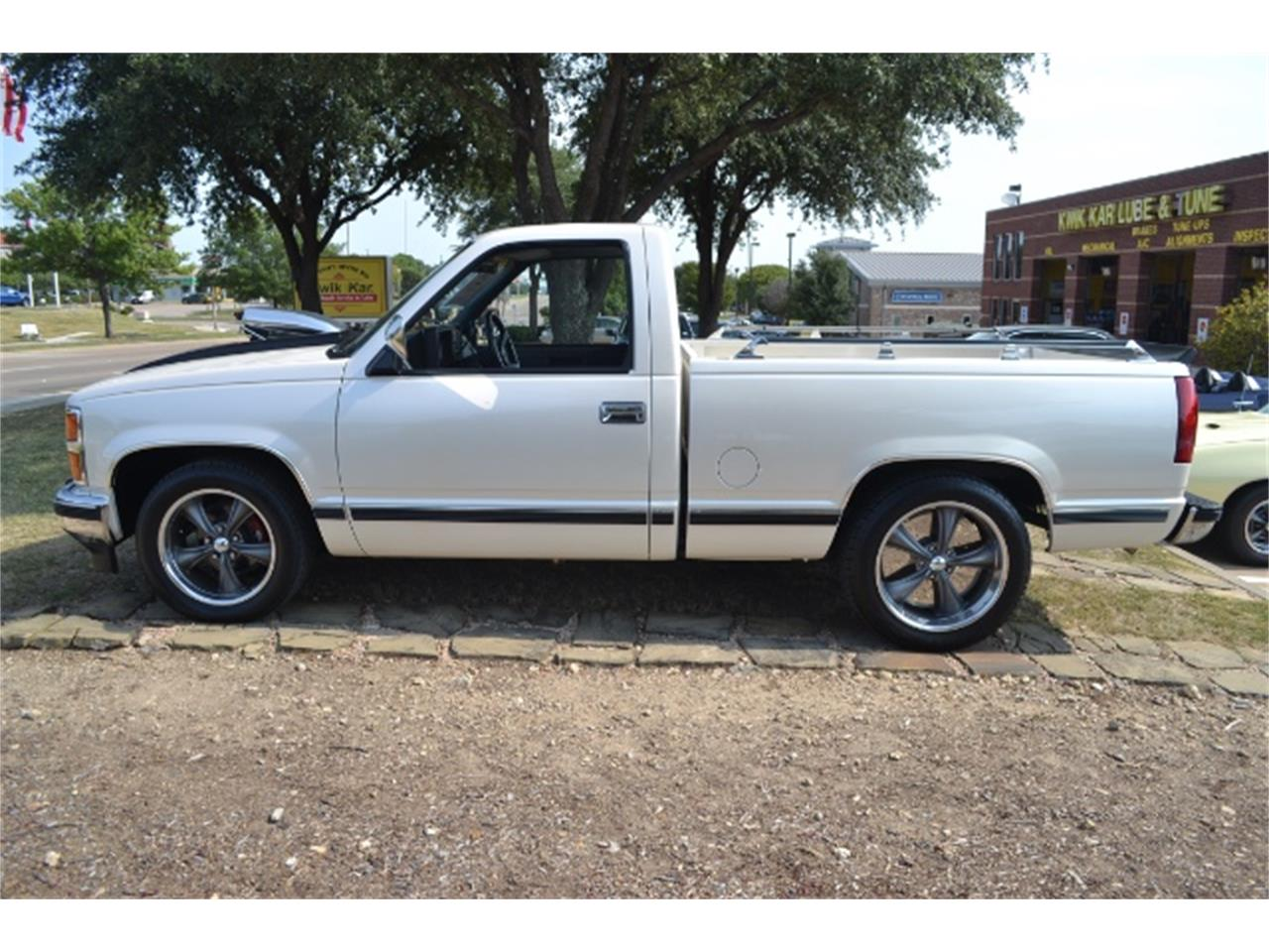 Large Picture of 1989 C/K 1500 located in Texas - LV5T