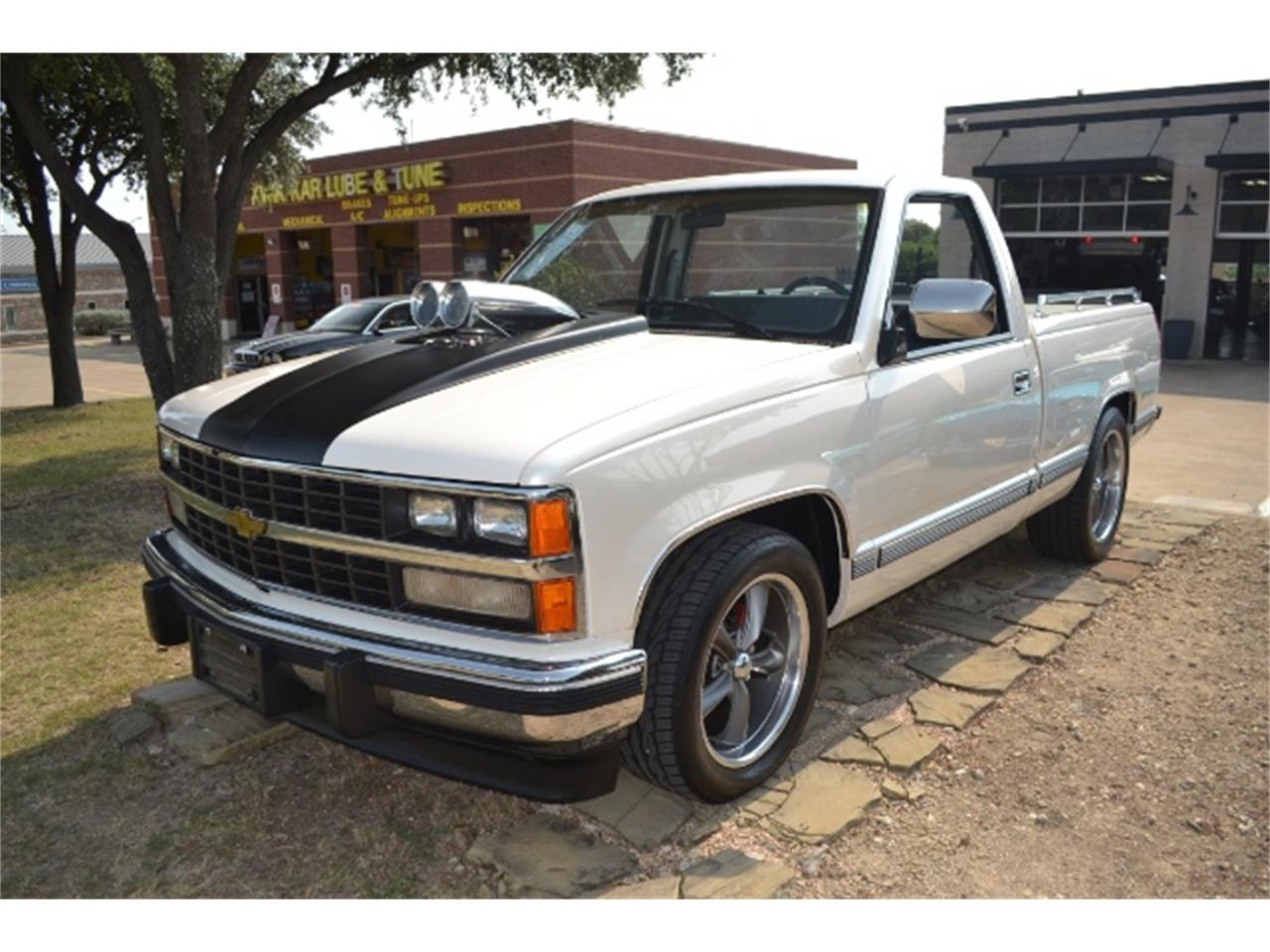 Large Picture of '89 Chevrolet C/K 1500 located in Fort Worth Texas Offered by Cityview Classic Cars - LV5T