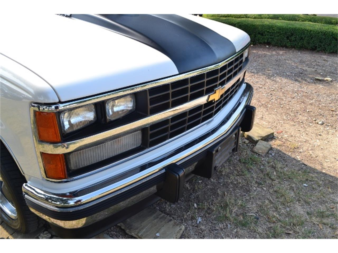 Large Picture of '89 C/K 1500 - $17,995.00 Offered by Cityview Classic Cars - LV5T