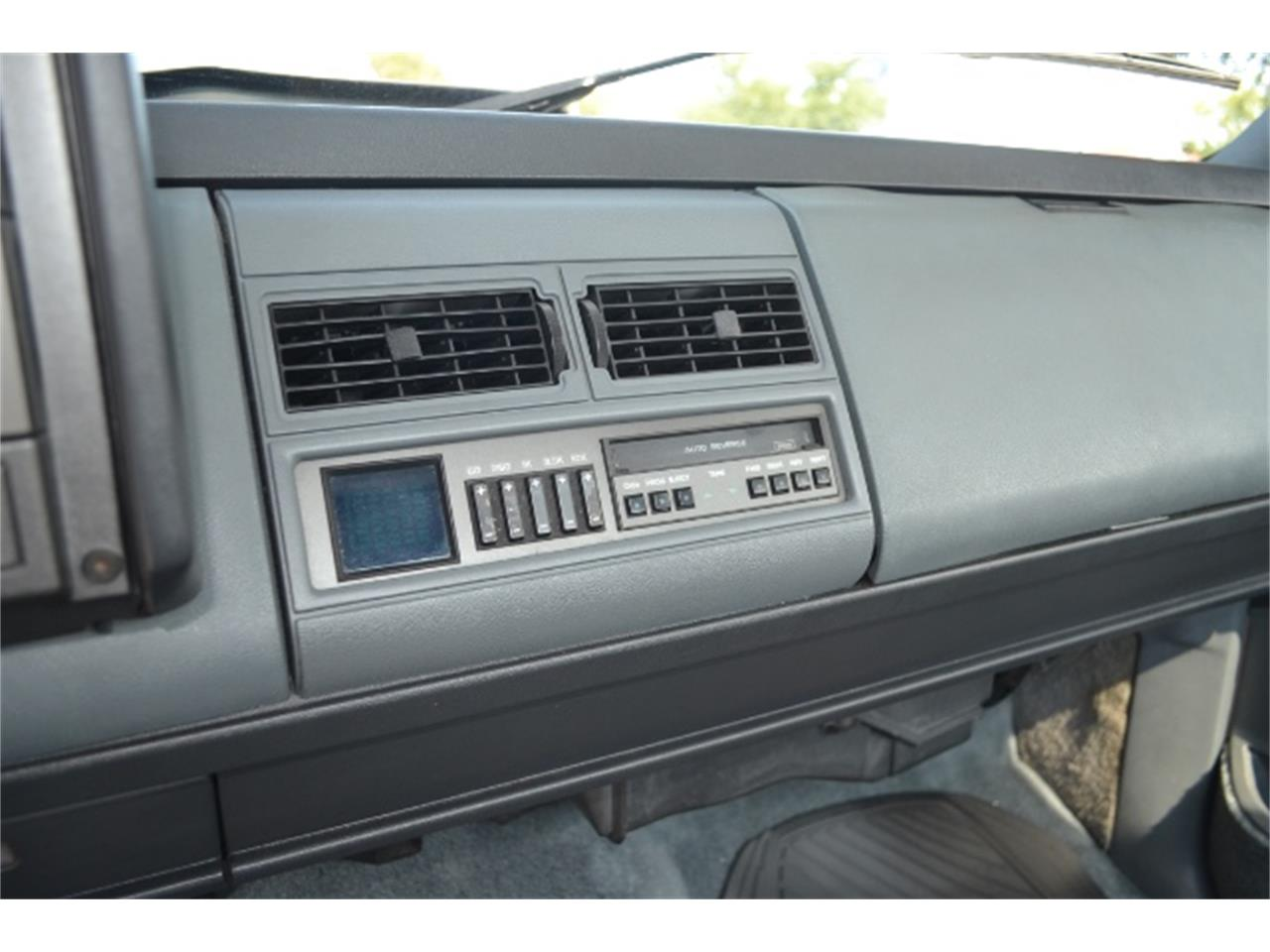 Large Picture of 1989 Chevrolet C/K 1500 located in Fort Worth Texas - $17,995.00 - LV5T