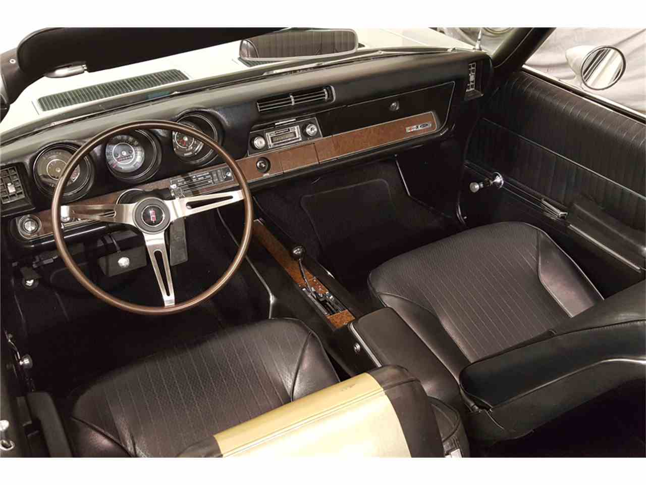Large Picture of '69 Oldsmobile Cutlass located in Las Vegas Nevada Offered by Barrett-Jackson - LWBH