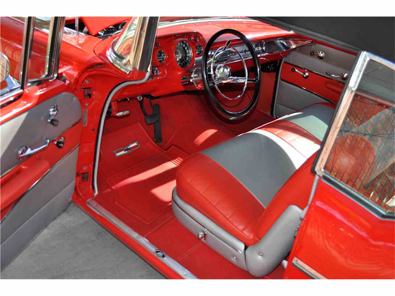 Large Picture of '57 Bel Air - LWBO