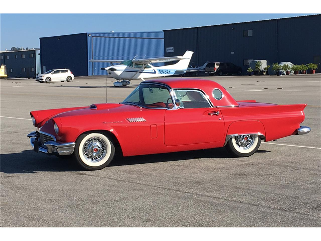 Large Picture of '57 Thunderbird - LWBP