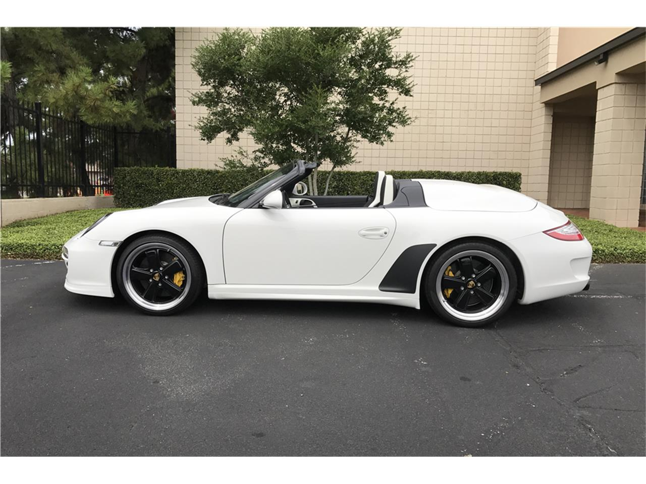 Large Picture of 2011 Porsche Speedster located in Las Vegas Nevada Auction Vehicle Offered by Barrett-Jackson - LWCJ