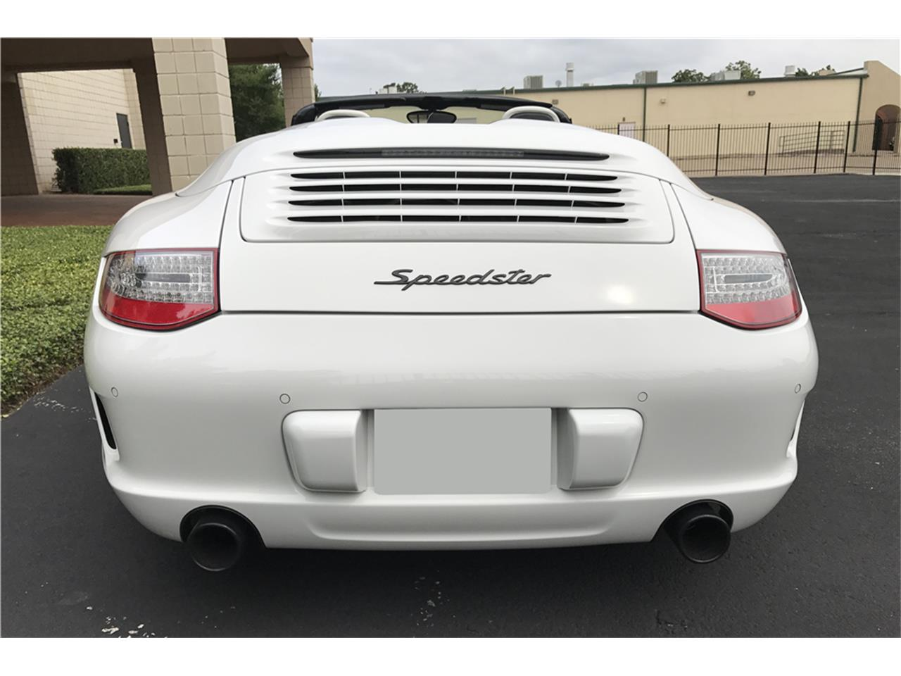 Large Picture of '11 Porsche Speedster Auction Vehicle - LWCJ