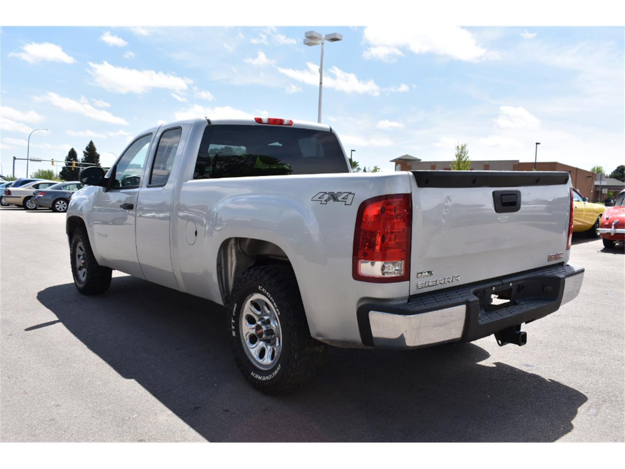 Large Picture of '10 Sierra - LWCY