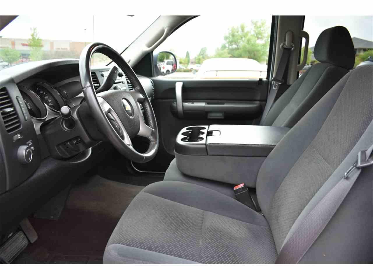 Large Picture of 2008 Chevrolet Silverado located in Colorado - $15,500.00 - LWD9