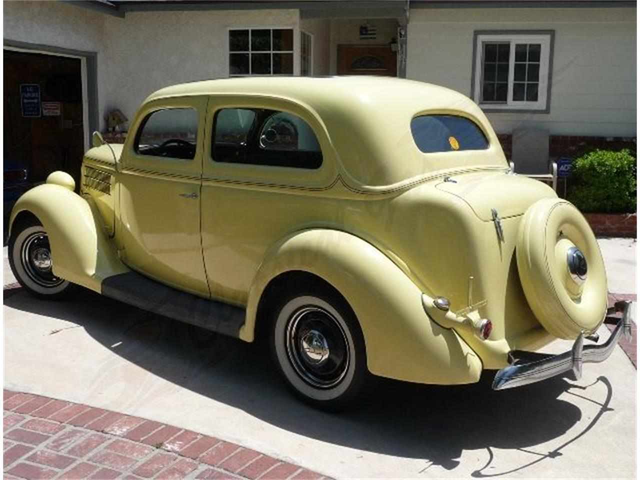 Large Picture of Classic 1936 Ford Sedan - LWFW