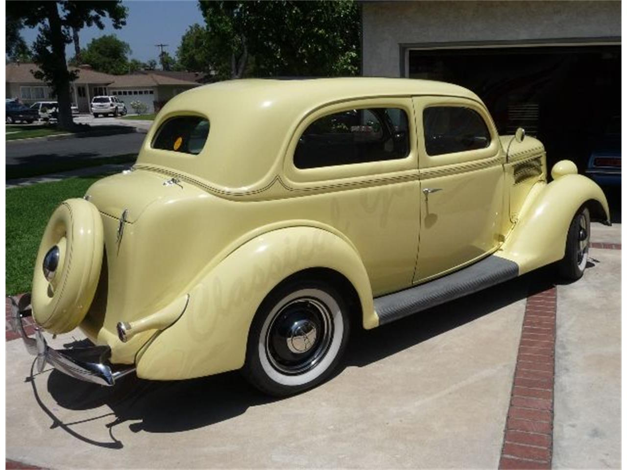 Large Picture of '36 Ford Sedan located in Arlington Texas - LWFW