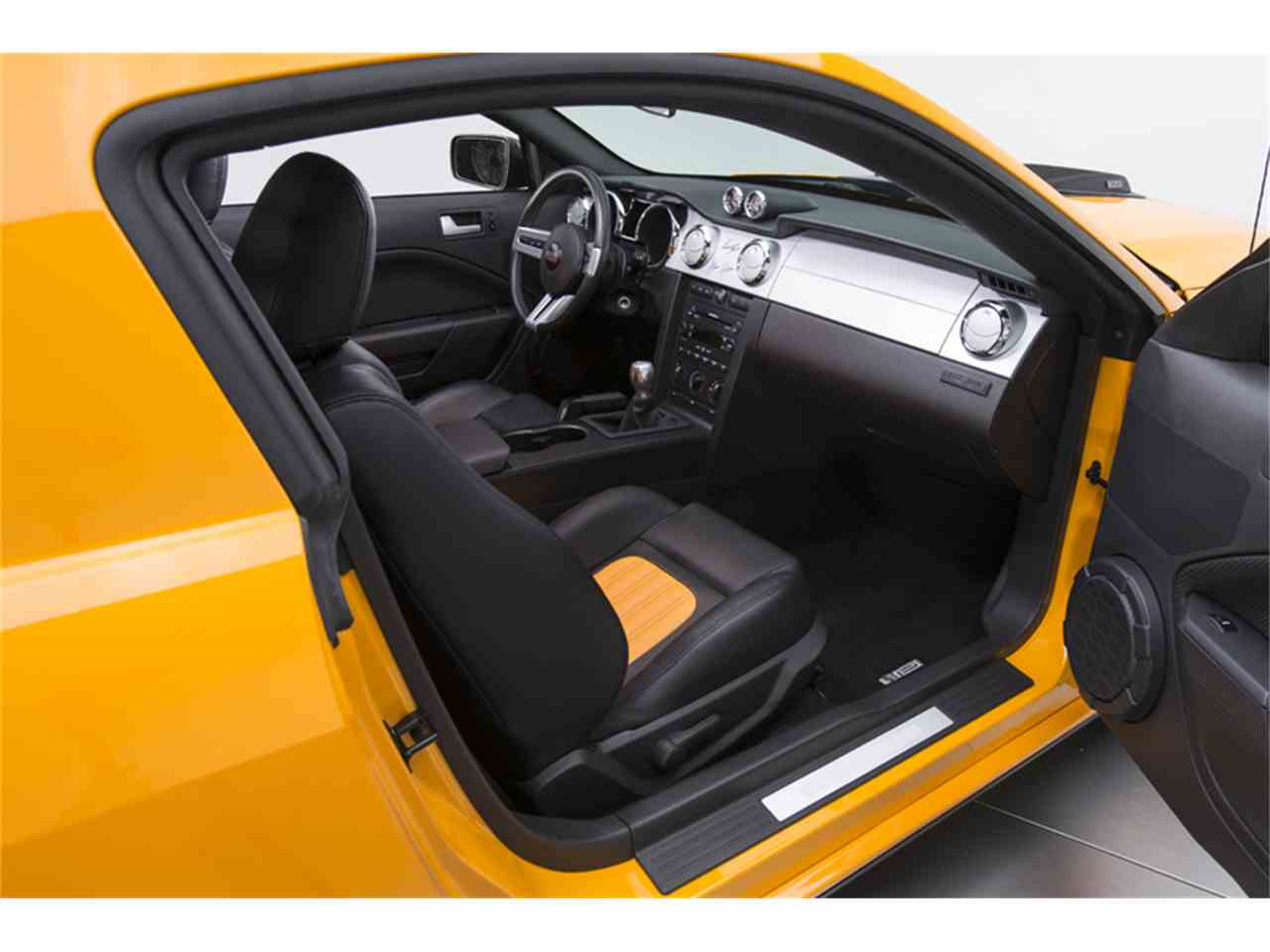 Large Picture of '07 Mustang located in North Carolina - $42,900.00 - LWIA