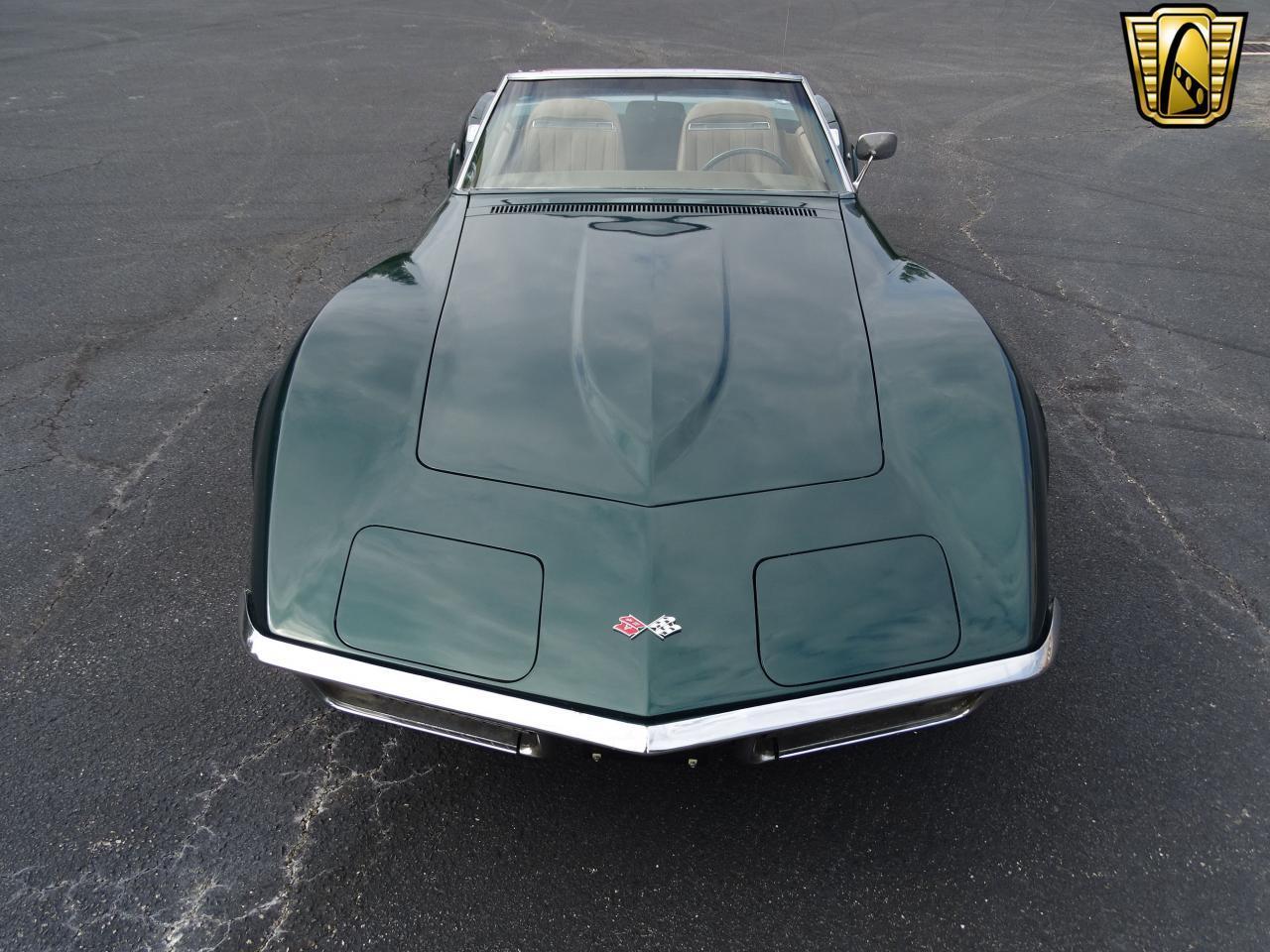 Large Picture of Classic '71 Chevrolet Corvette - LWIG