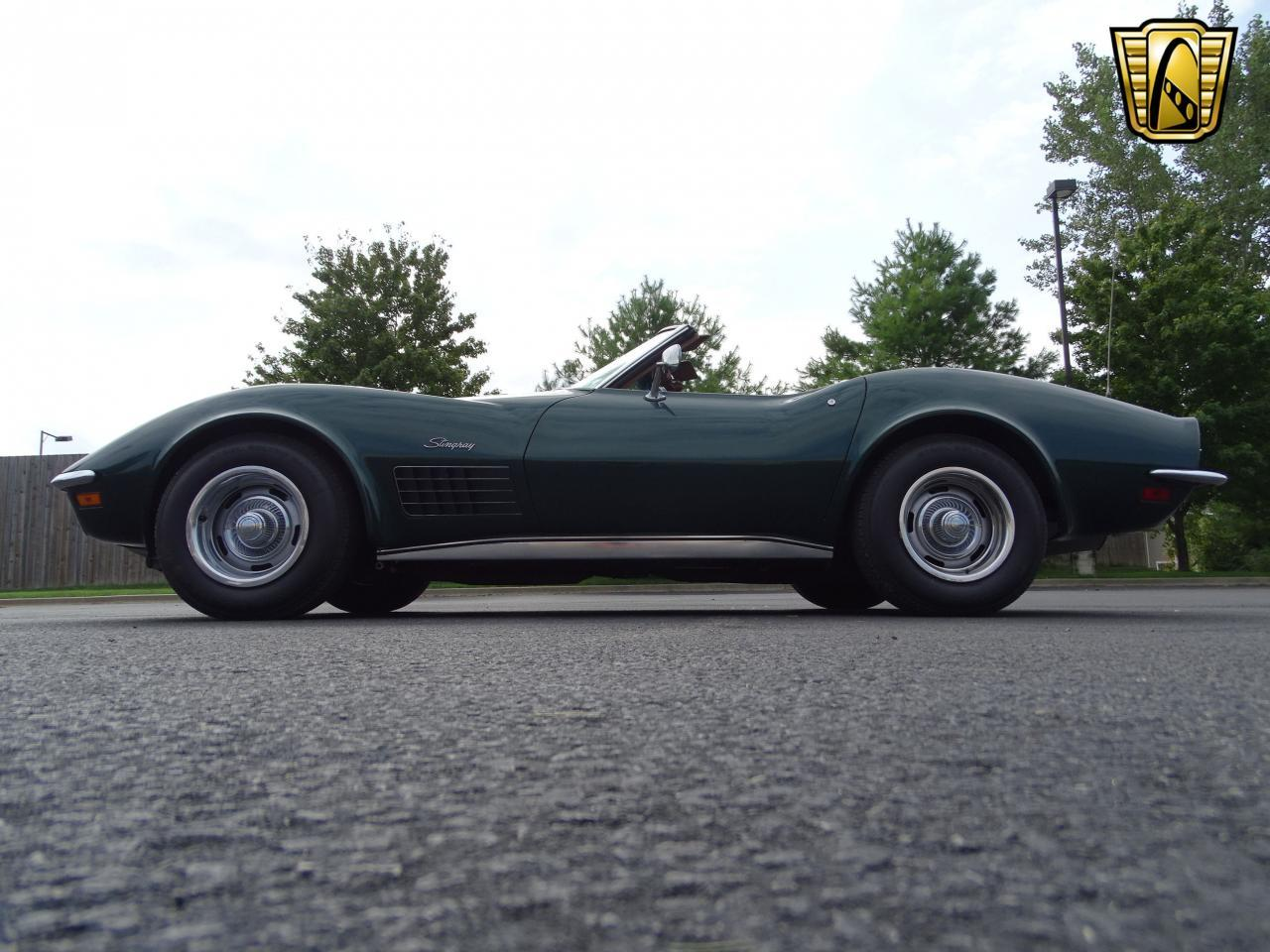 Large Picture of Classic 1971 Corvette - LWIG