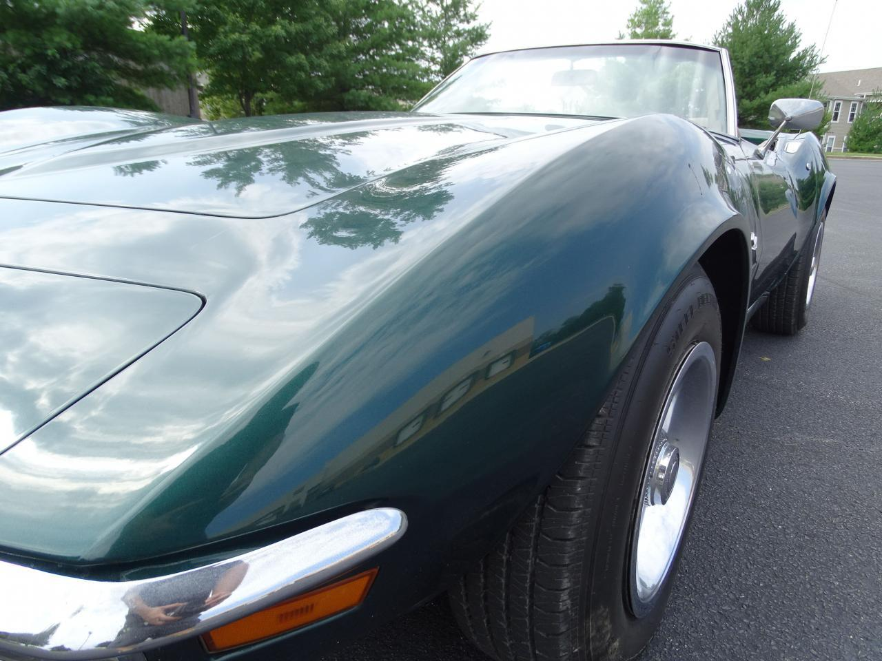 Large Picture of '71 Chevrolet Corvette Offered by Gateway Classic Cars - St. Louis - LWIG