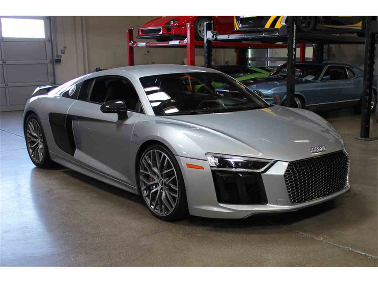 Large Picture of '17 R8 - LWKX