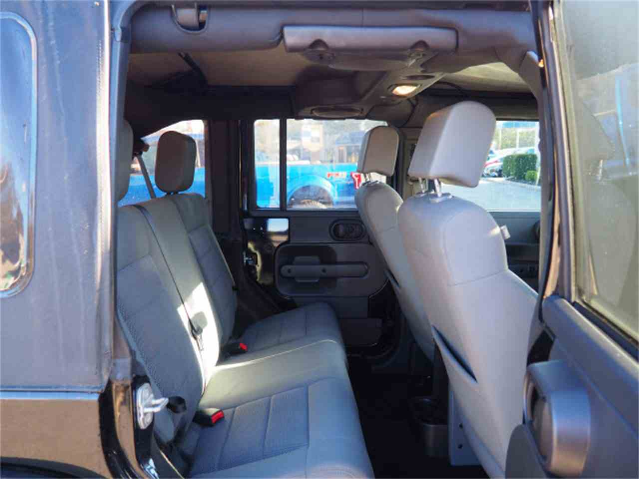 Large Picture of 2009 Jeep Wrangler - $17,000.00 Offered by Cincinnati Auto Wholesale - LWMR