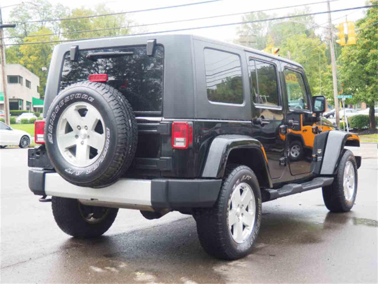 Large Picture of 2009 Jeep Wrangler located in Loveland Ohio Offered by Cincinnati Auto Wholesale - LWMR