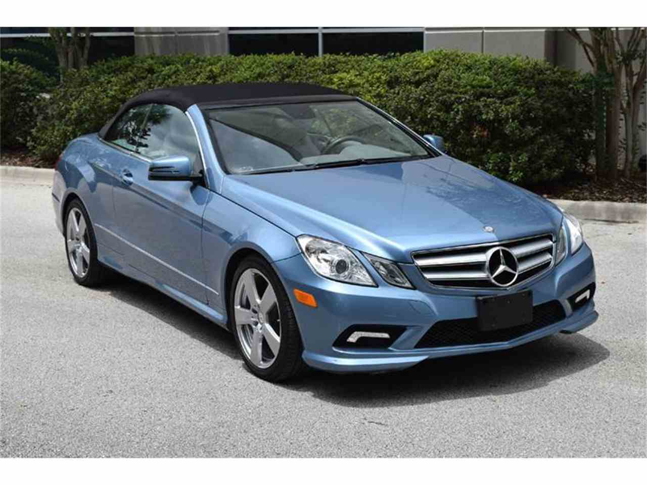 Large Picture of '11 Mercedes-Benz E-Class located in Orlando Florida - $31,900.00 Offered by Orlando Classic Cars - LWP3