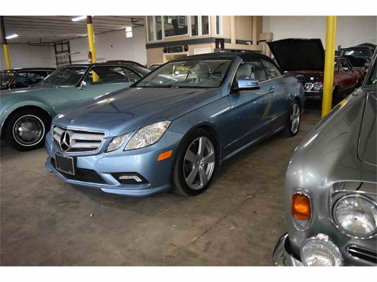 Large Picture of 2011 Mercedes-Benz E-Class located in Orlando Florida - $31,900.00 Offered by Orlando Classic Cars - LWP3