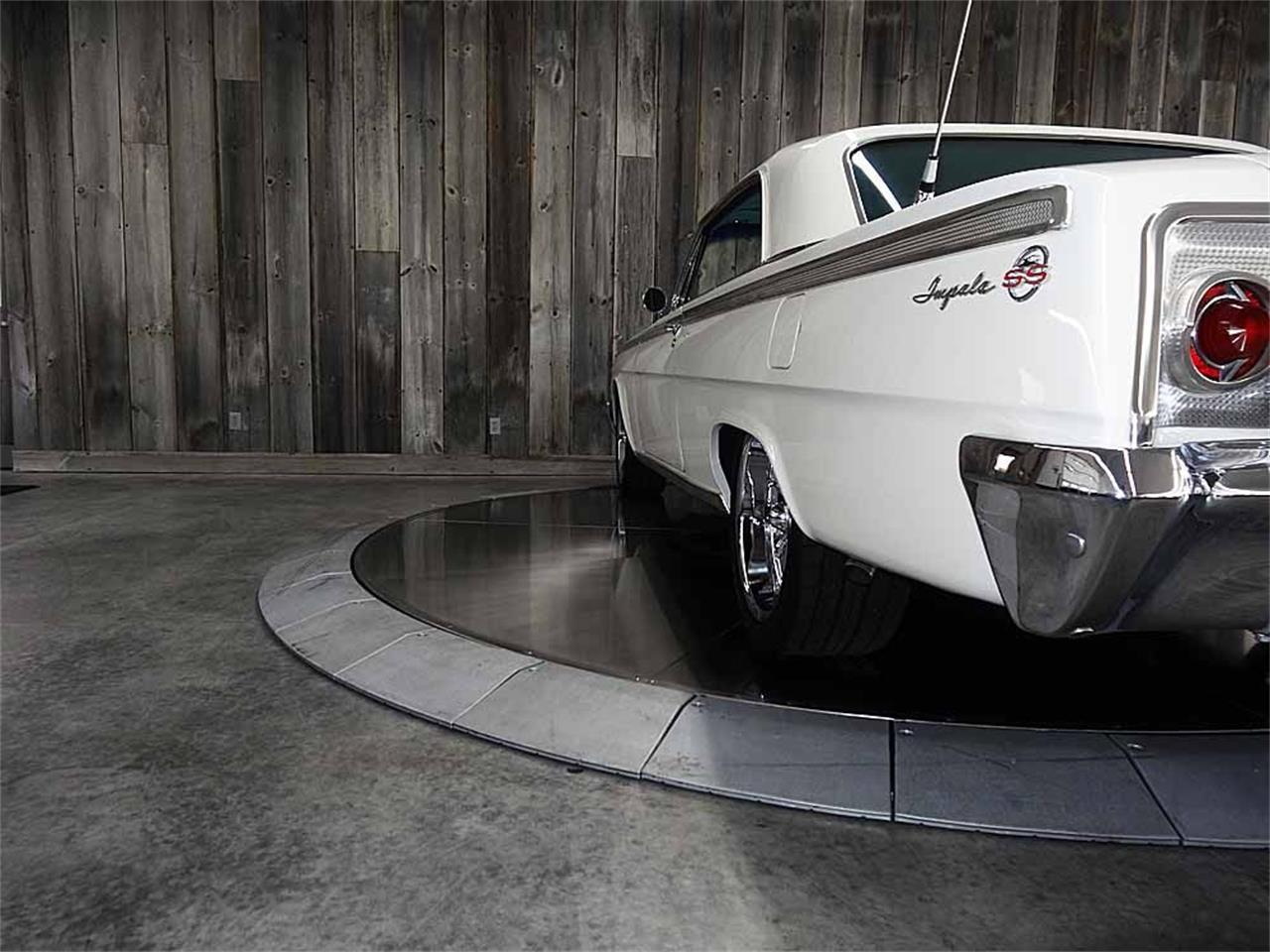 Large Picture of '62 Chevrolet Impala located in Bettendorf Iowa - $48,500.00 - LX7F