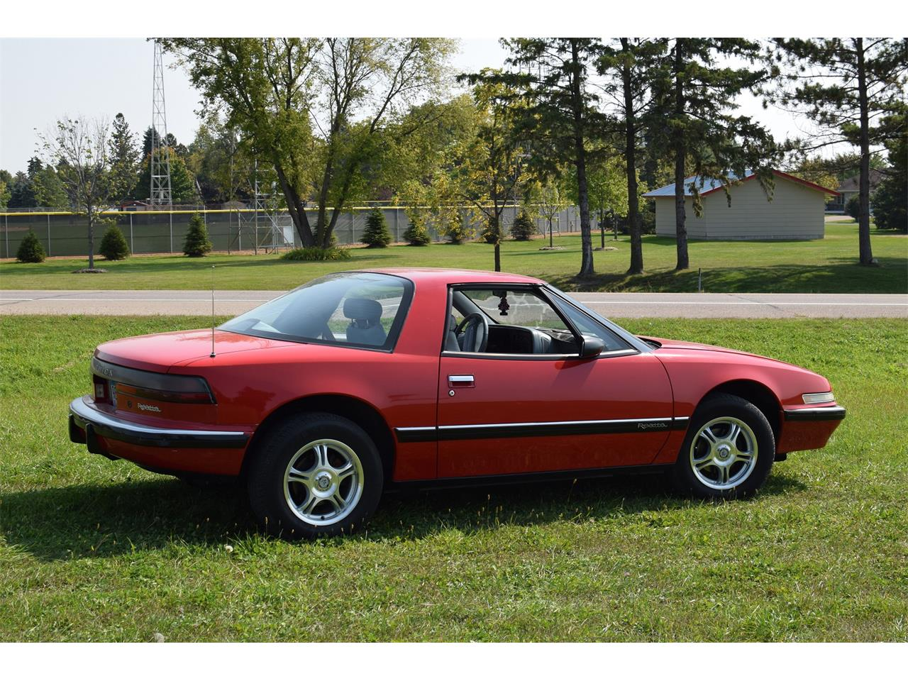 Large Picture of 1990 Buick Reatta - LV9B