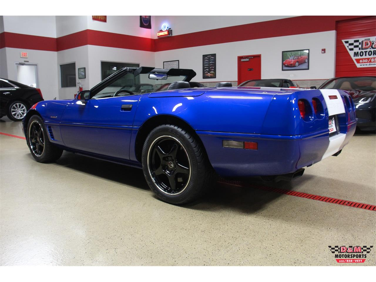 Large Picture of '96 Chevrolet Corvette located in Glen Ellyn Illinois - LV9Z