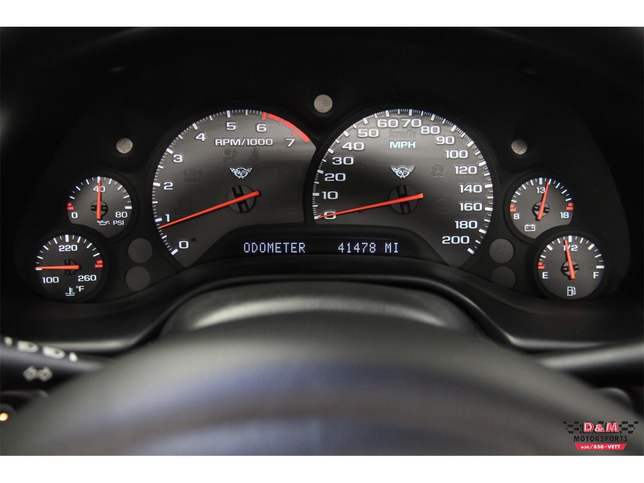 Large Picture of '00 Chevrolet Corvette located in Glen Ellyn Illinois - LVA3