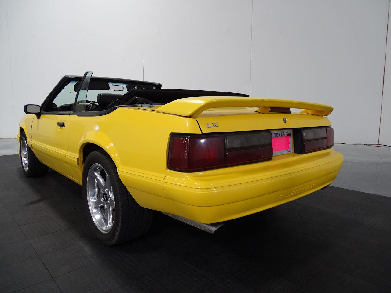 Large Picture of '89 Mustang - LV29