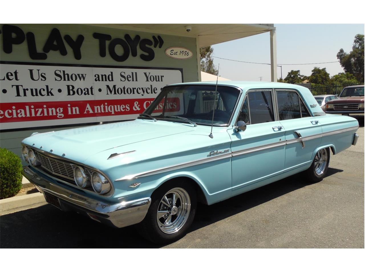 Large picture of 64 fairlane 500 lvaz