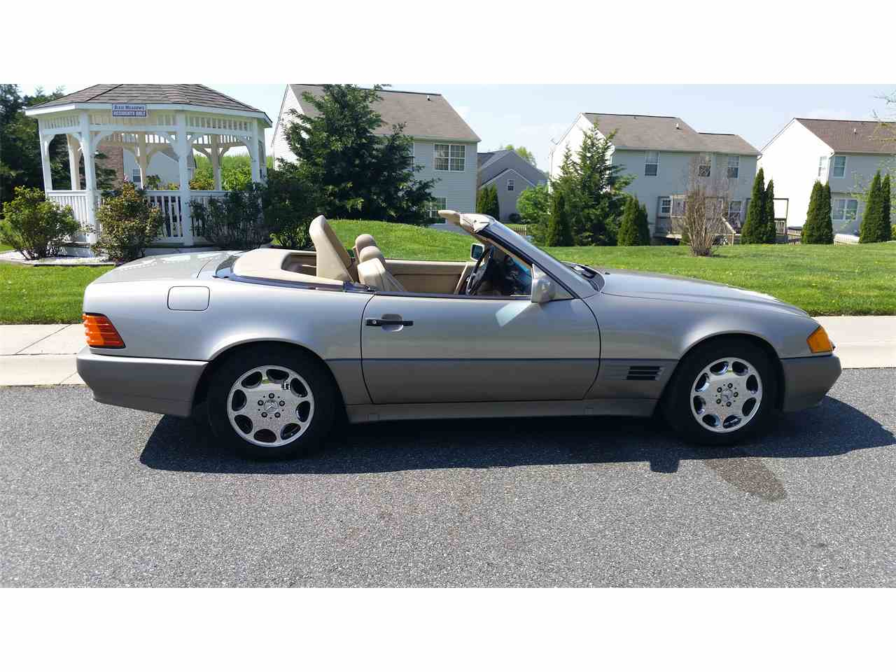 Large Picture of 1990 Mercedes-Benz 500SL located in Maryland - $11,500.00 - LY0I