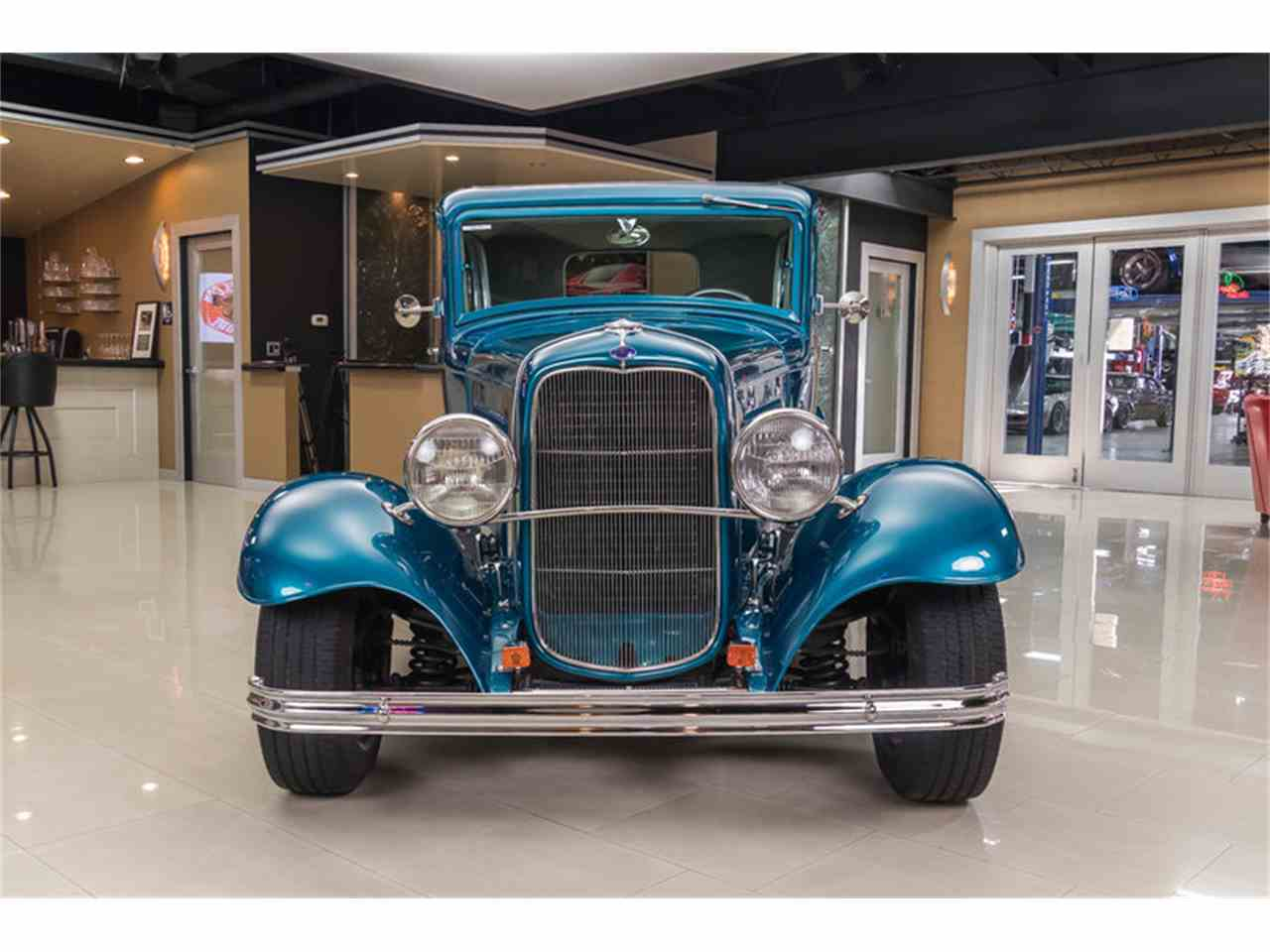 Large Picture of '32 Tudor Sedan Street Rod - LVCJ