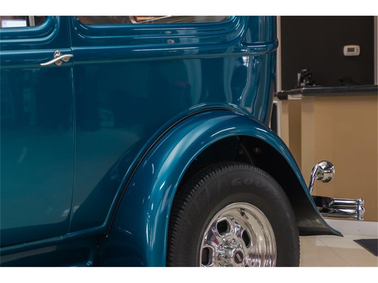 Large Picture of '32 Tudor Sedan Street Rod - LVCJ